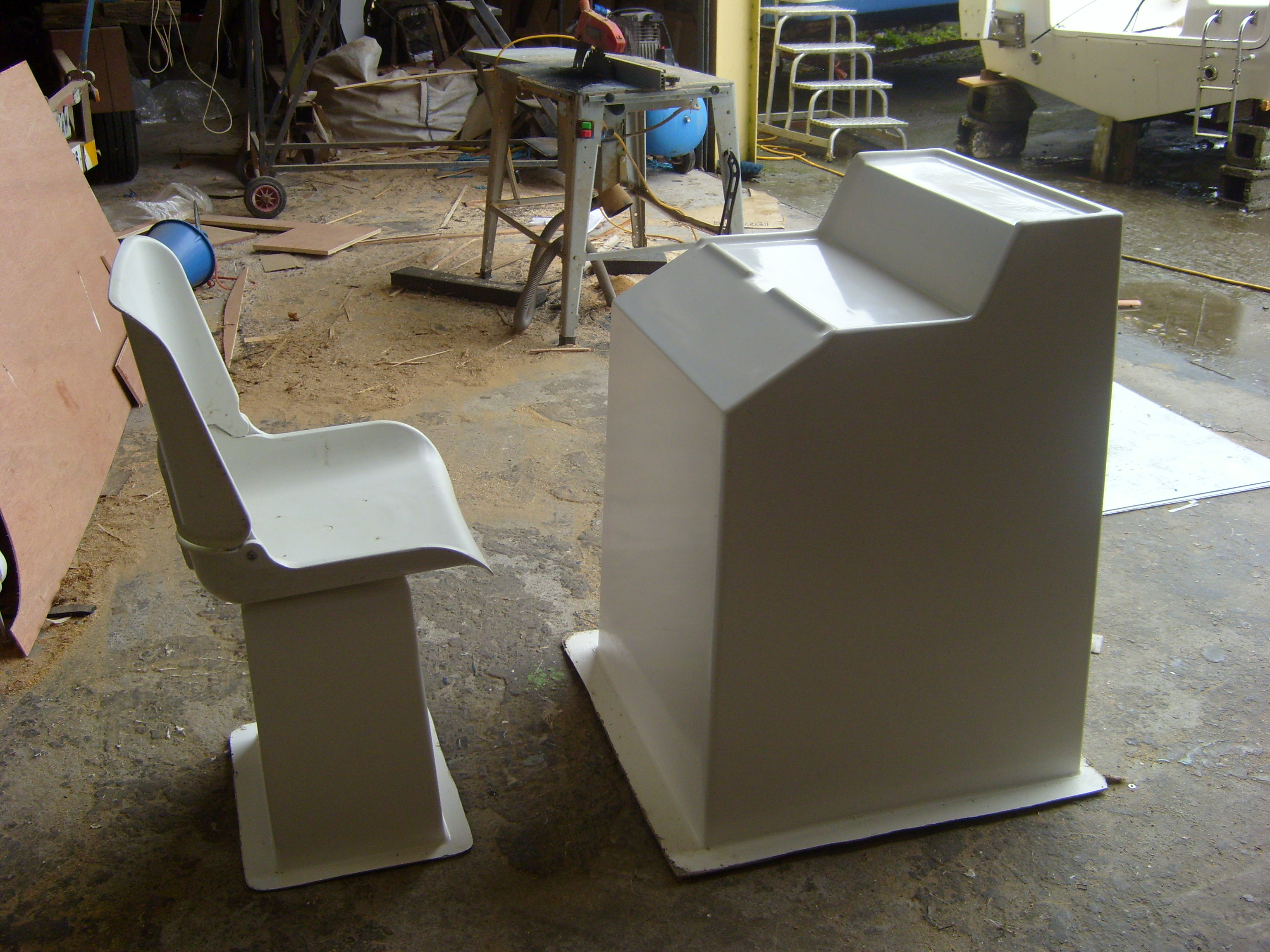 Console,seat box mouldings